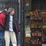 Бездомный накупил еды для бедных