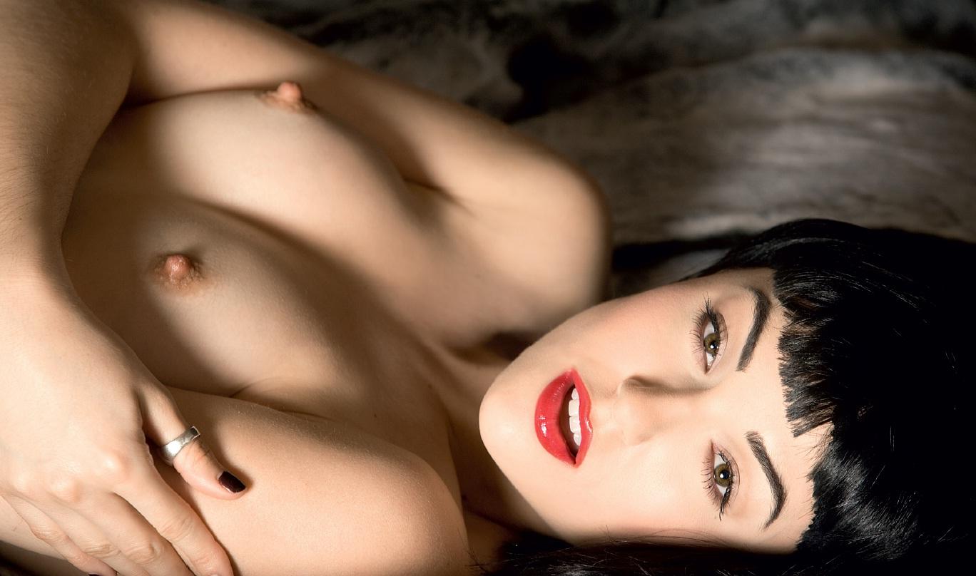 эротические фотографии модели далии грей сожалению, название
