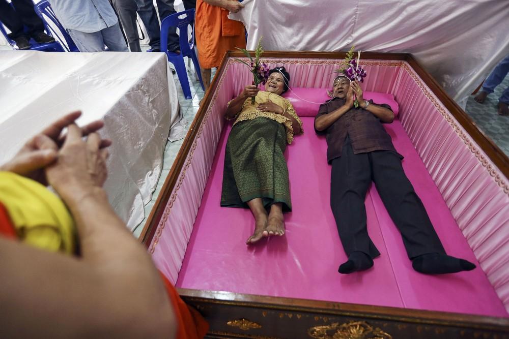 Что делать если заказали гроб больше покойника